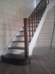 Лестницы на заказ из массива дерева